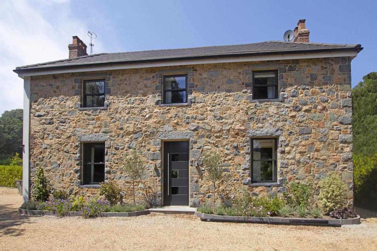 Le Foulon House