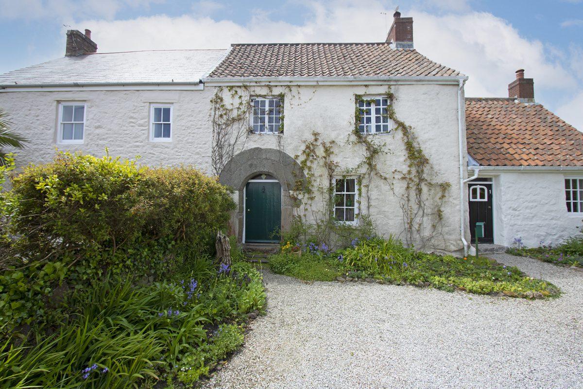 2 Les Blanches Cottages